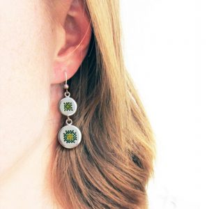 Embroidery earrings green/yellow